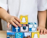 Social media thumb