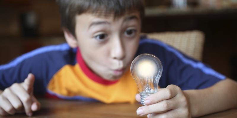Boy-lightbulb (2)
